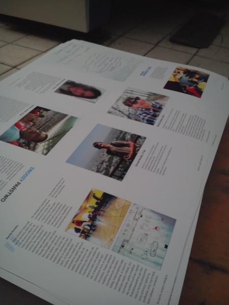 Przygotowana przez młodzież publikacja - tu jeszcze w drukarni, przed ostatecznym złożeniem.